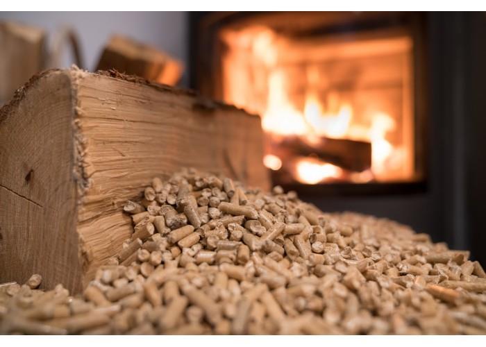 Piec na drewno czy na pellet? Podpowiadamy.